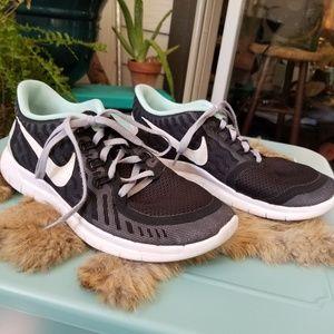 NikeID Girls Running Shoes